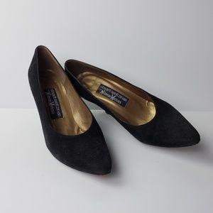 STUART WEITZMAN Vintage Suede Pointed Toe Heels, 7